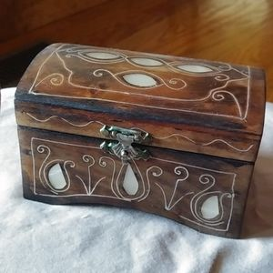 Lovely pearl inlay wooden trinket box